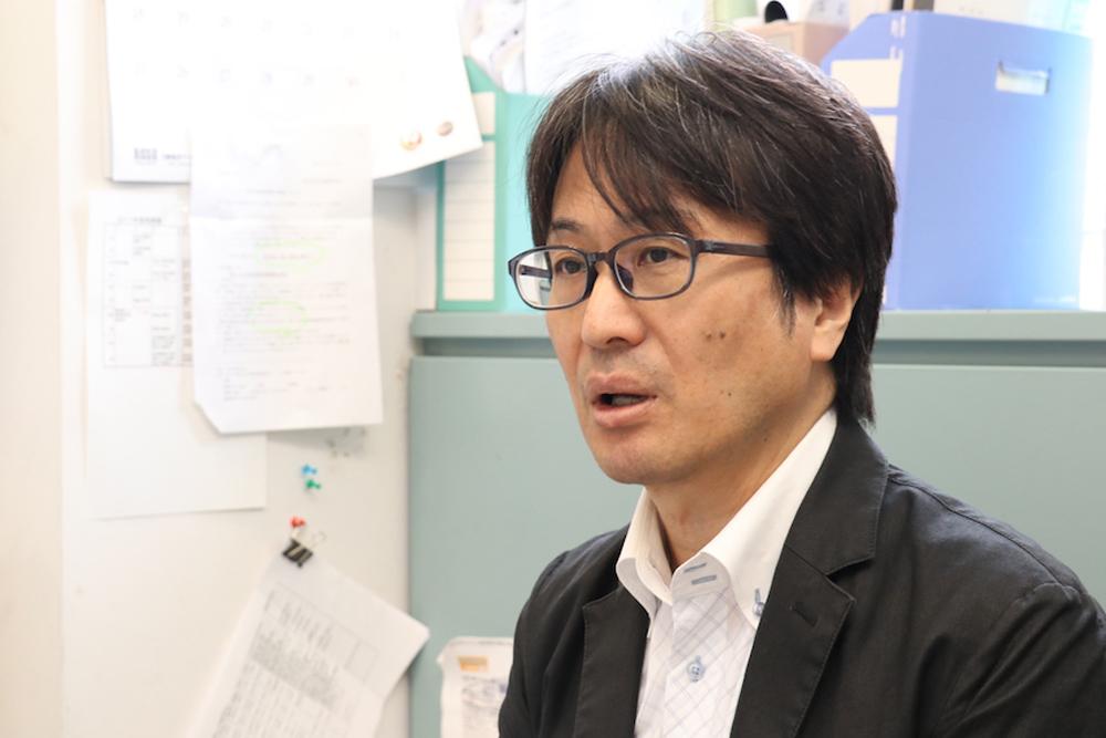 社会心理学科教授の桐生正幸先生の写真